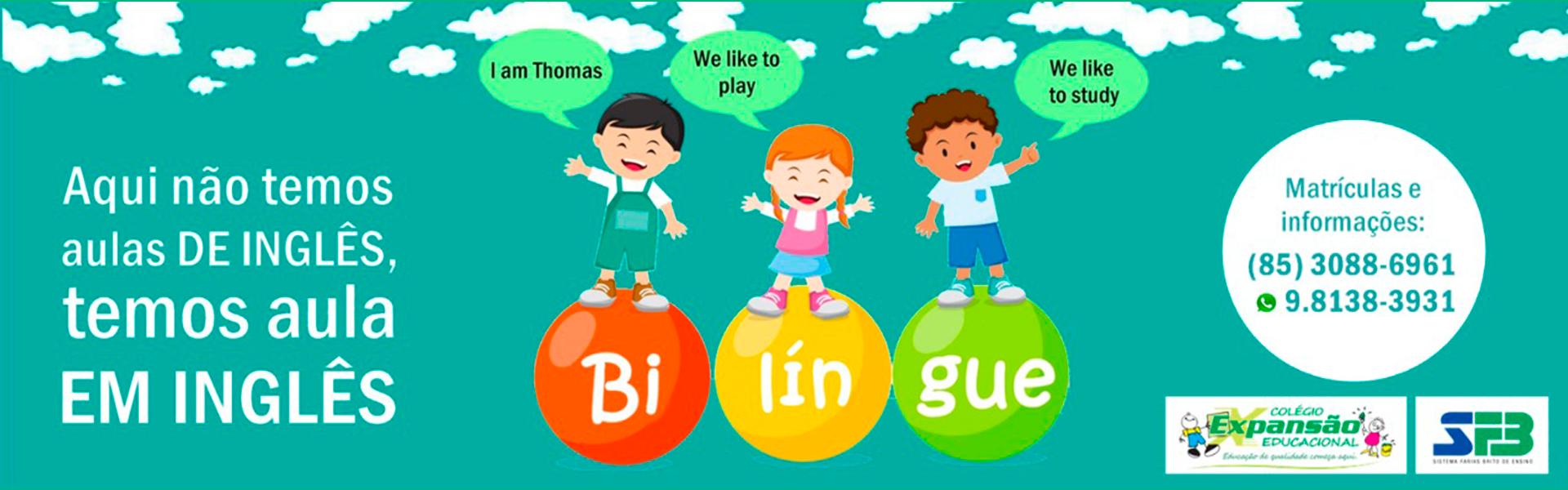 Crianças alegres falam inglês junto ao texto: Aqui não temos aula de inglês, temos aula em inglês. Um balão escrito Matrículas e informações traz os telefones do colégio de educação infantil: 3088-6961 e 9.81383931
